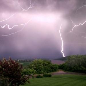 tormenta_verano_bg