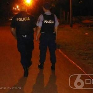 28423-Policias_caminan_la_ciudad_1