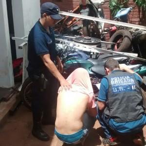 Detenido hurto de motocicleta Alem11-02