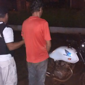 Detenido y moto secuestrada09