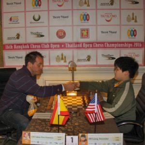Liang Awonder (derecha), enfrentando a Paco Vallejo, hace un par de semanas