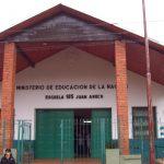 La maestra golpeada por una madre pidió licencia