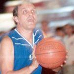 Pepe Martínez, emblema del básquet obereño