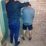 Detienen a un joven por agredir y amenazar a policías