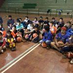 El Oberá Tenis Club visitó la Escuela de Básquet de Guaraní