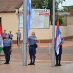 Izamiento y arrío de las banderas