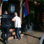 La Policía detuvo a un hombre acusado de  agredir a su pareja