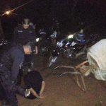 Un joven fue sorprendido con elementos robados, intentó agredir a los policías, y terminó detenido