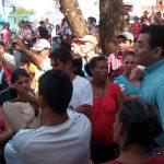 Tareferos del FOL reclaman frente a la Municipalidad otra vez