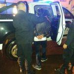 La policía detuvo a un joven por ocasionar disturbios en un pub