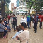 Tareferos de Oberá acampan en la plaza 9 de Julio
