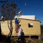 """""""Techo"""" levantó otra casa para familia humilde con escasa participación de funcionarios"""