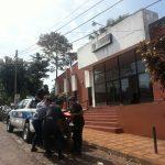 La Policía secuestró una motocicleta y busca intensamente al autor de un robo en Oberá