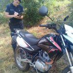La Policía recuperó una motocicleta robada y busca  a un joven con  frondoso prontuario