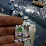 Interceptan a un dealer en una cancha de fútbole incautan marihuana, dosis de LSD, y dinero