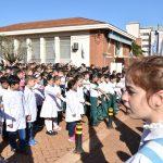 Los estudiantes de 4° prometieron lealtad a la Bandera Argentina en su día