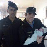 Parto en un movil policial: dos policías ayudaron a dar a luz a una mujer