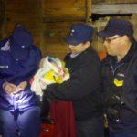 Policías ayudaron a dar a luz a una joven en Villa Bonita