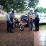 Un adolescente realizaba maniobras peligrosas con una motocicleta y fue demorado por la Policía