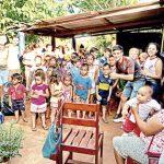 Oberá: veían a niños comer en las paradas y crearon un merendero