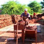 Entregaron insumos a 40 productores oleros de Oberá