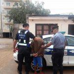 Lo sorprendieron intentando robar en un automóvil y fue detenido
