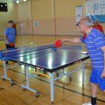 Tenis de mesa para adultos mayores