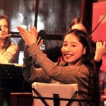 Jóvenes talentosas al escenario de la Fiesta Nacional del Inmigrante