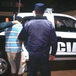 La policia detuvo a un joven que intento robar motocicletas de una empresa de seguridad.