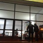 La policía detuvo a dos sujetos por encontrarse en estado de ebriedad ocasionando disturbios