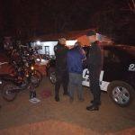 Robó una motocicleta y trató de agredir a policías con una navaja