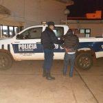 La policía detuvo a un hombre acusado de amenazar y agredir a su pareja