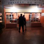 La policía detuvo a un hombre que amenazaba a los transeúntes con un machete