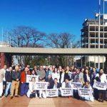 """""""Somos médicos, no asesinos"""": reunión de médicos autoconvocados en el Centro Cívico"""