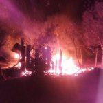 Se incendio una vivienda que estaba desocupada en Campo Ramón, no se registraron lesionados