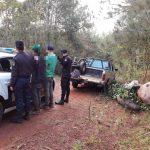 La Policía detuvo a dos  jóvenes por cosechar yerba mate ajena y secuestró 7 raídos del producto y una camioneta