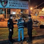 La policía detuvo a un hombre por desobedecer una orden judicial