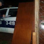 La Policía recuperó dos puertas placas robadas y busca al autor del hecho