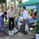 La Biofábrica de Misiones estuvo entregando plantines de árboles nativos en Oberá