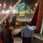 La policía asistió a dos personas en situación de calle