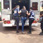 La Policía asistió a una mujer que se descompensó en la vía pública