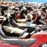 Más de 600 motos retenidas en corralón municipal, quejas por multas elevadas.