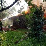 Un incendio consumió parte de una vivienda