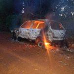 El fuego consumió un vehículo en su totalidad