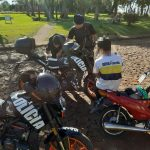 Prevención: motocicletas retenidas y un detenido contraventor en los operativos policiales