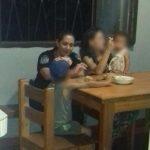Una suboficial de la Policía cocinó y cenó con una mujer y sus hijos que fueron víctimas de un robo