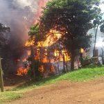 La Policía investiga un incendio en el cual dos personas resultaron gravemente lesionadas