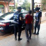 Policías asistieron a una jubilada que se desvaneció en la vía pública