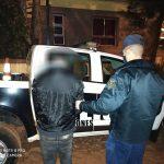 Lo sorprendieron intentando ingresar a una casa ajena y fue detenido