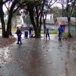 Podas y limpieza en el Parque de las Naciones
